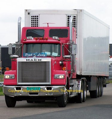 V8 Mack Superliner http://mackmuppet.skyrock.com/2562904059-Mack-Superliner-RW-613-KFM-Trading-Leek-The-Netherlands.html